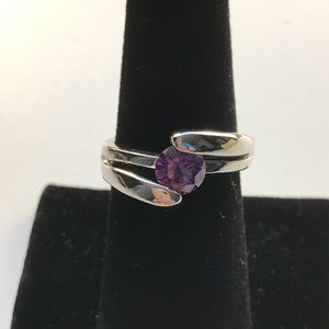 Fashion ring with purple stone